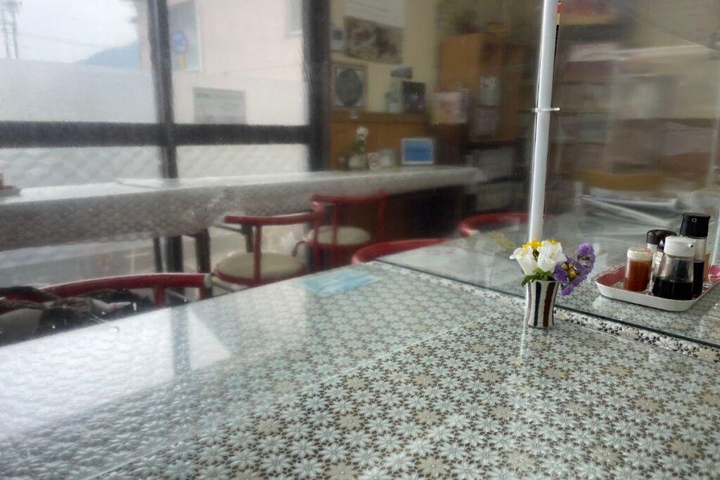 山本食堂 店内2