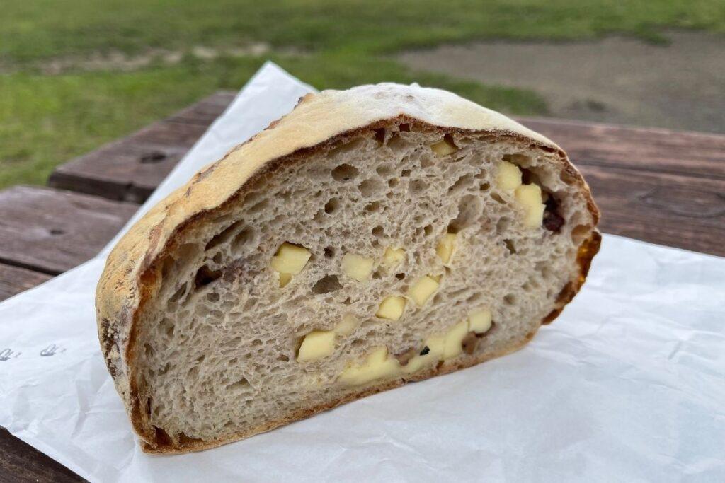 カンパーニュ クルミ・チーズ
