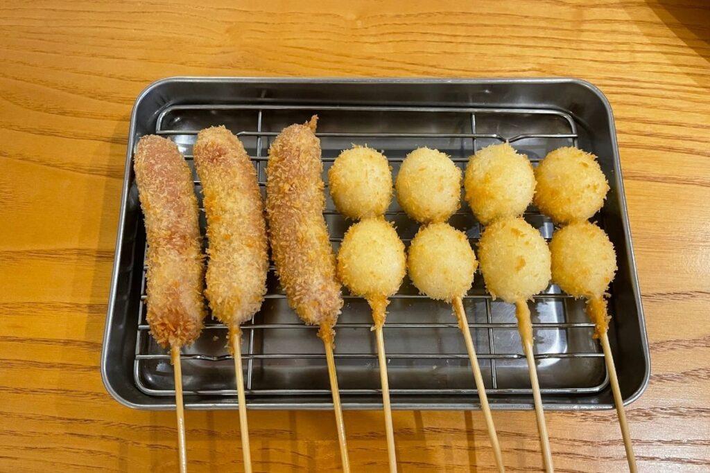 ウインナー(¥100)、うずら卵(¥100)