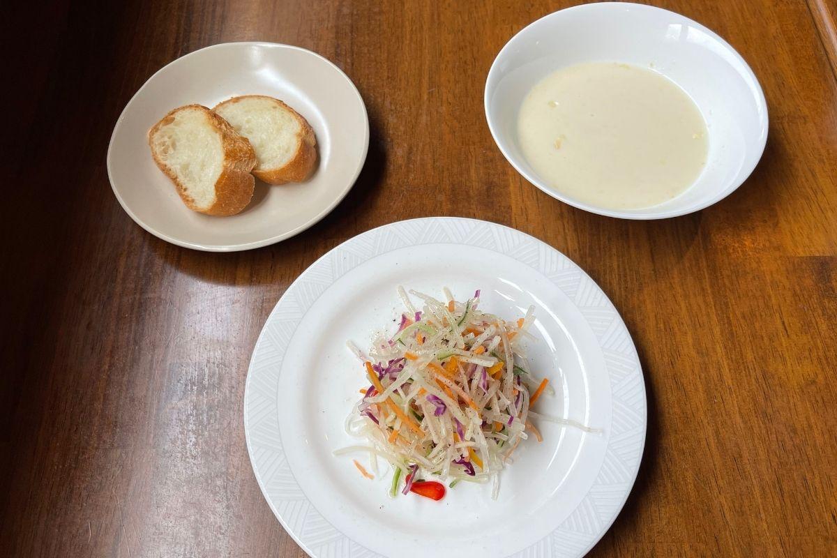 スープ・サラダ・フランスパン