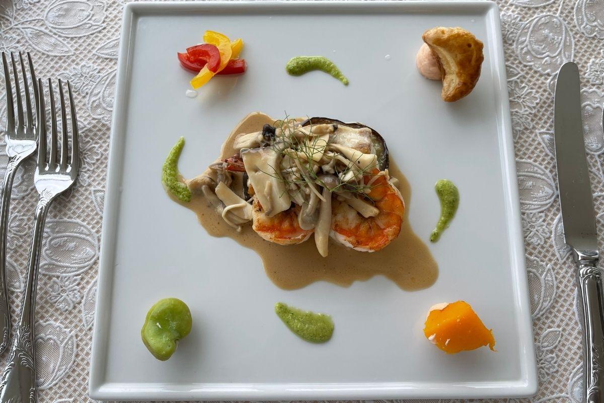 本日の白身魚、海老、たまげ茄子のソテー
