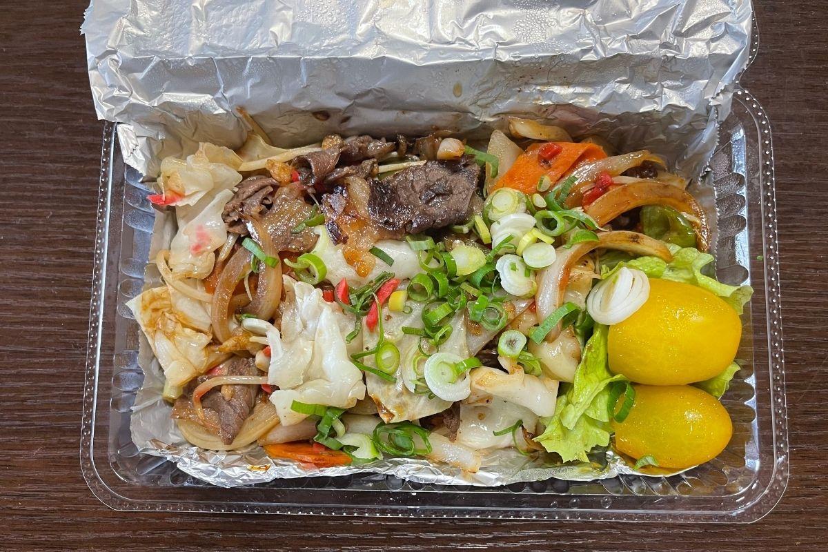 牛野菜炒め(500円)