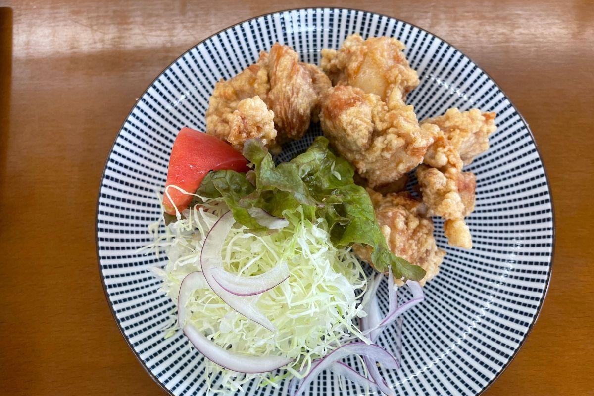 秋川鶏のからあげ(380円)