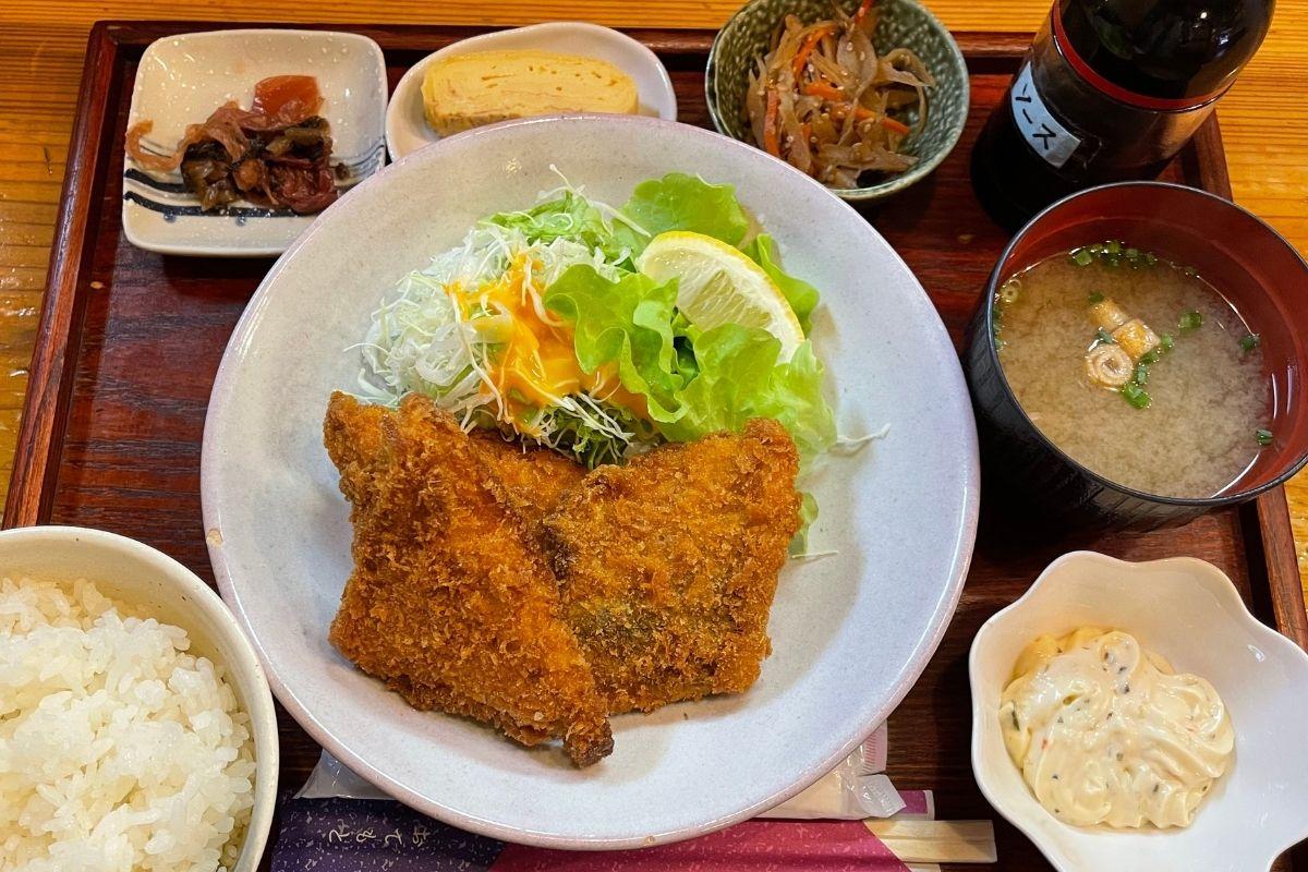 瀬付きアジフライ定食(1,320円)