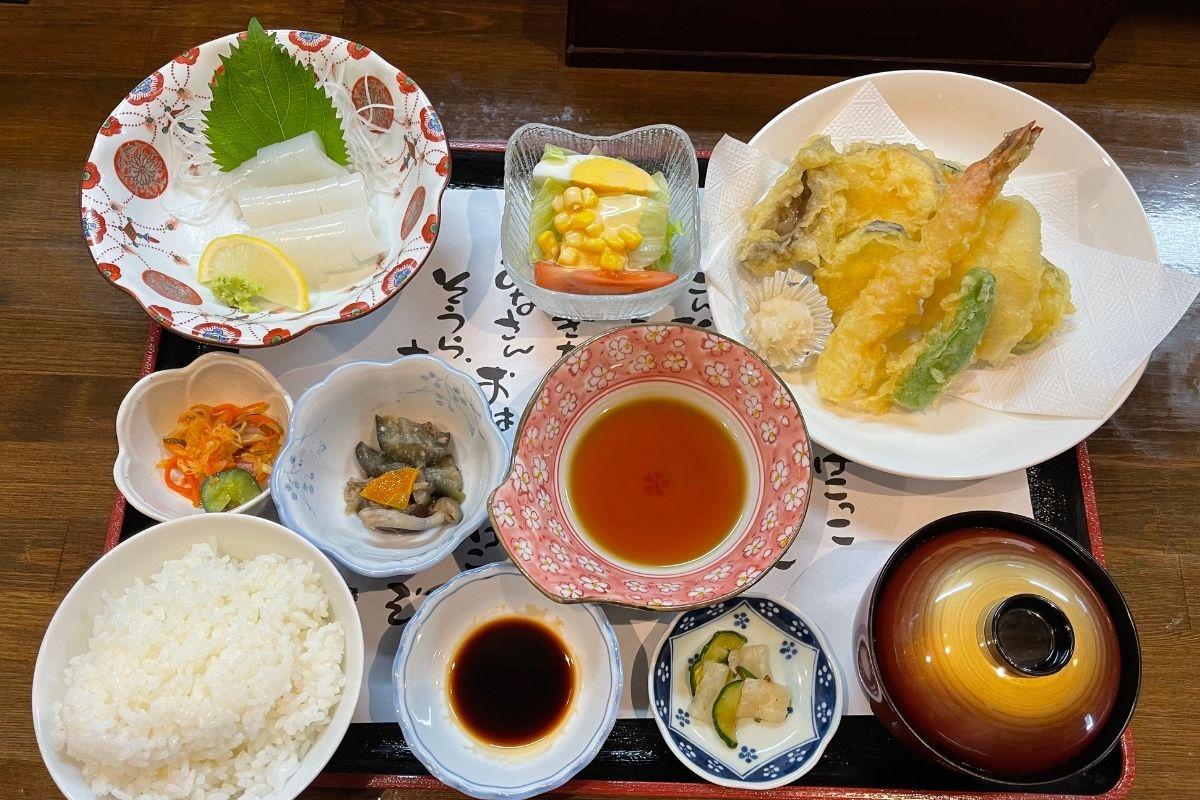 亀亀定食(1580円)