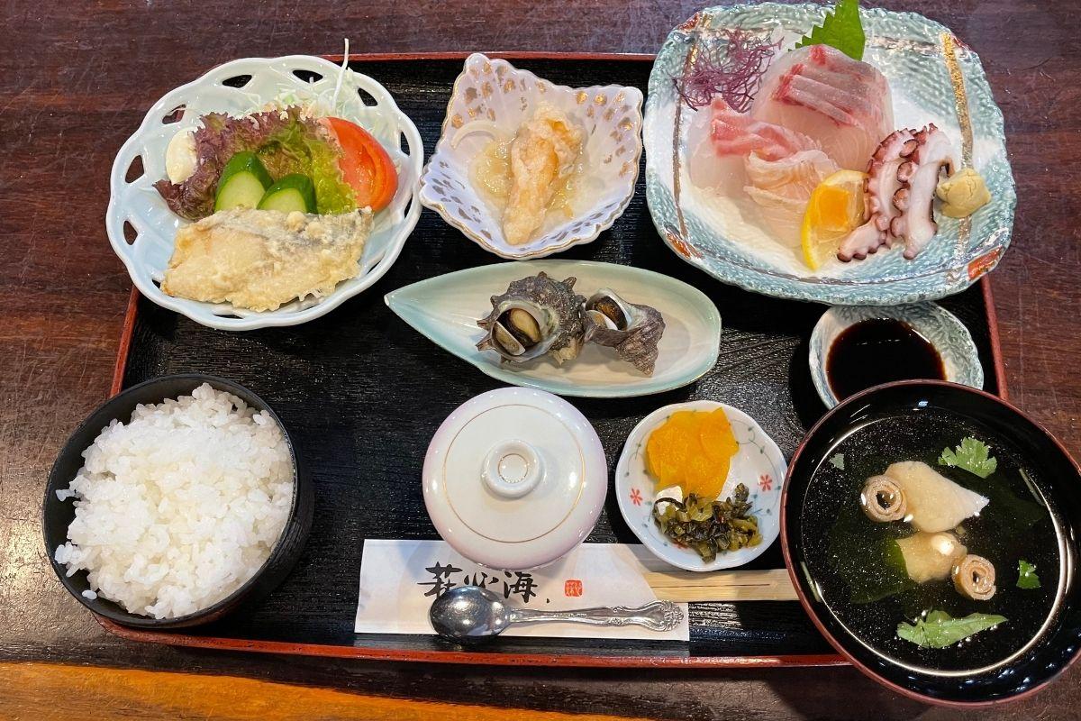 刺身定食(2640円)