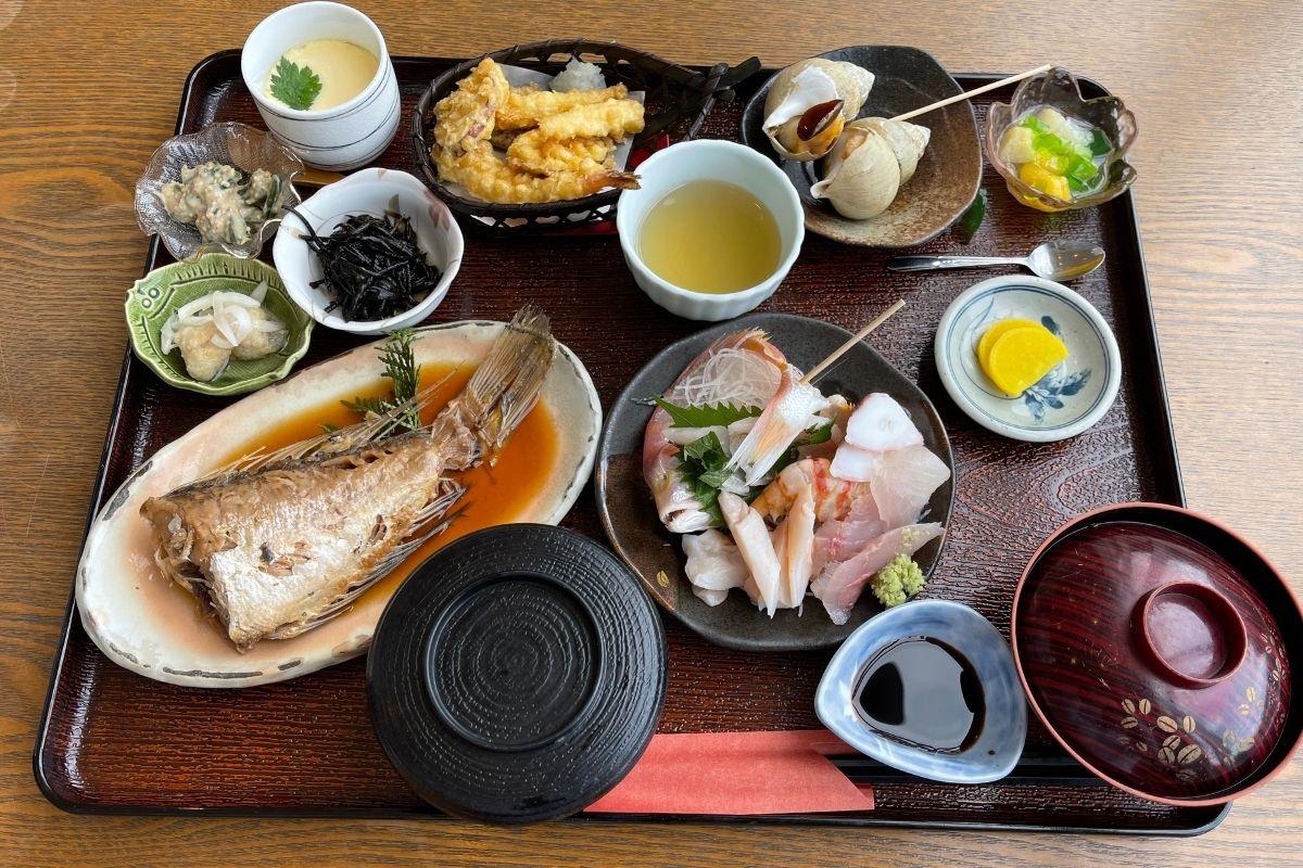 萩特産第五良栄丸御膳(3200円)
