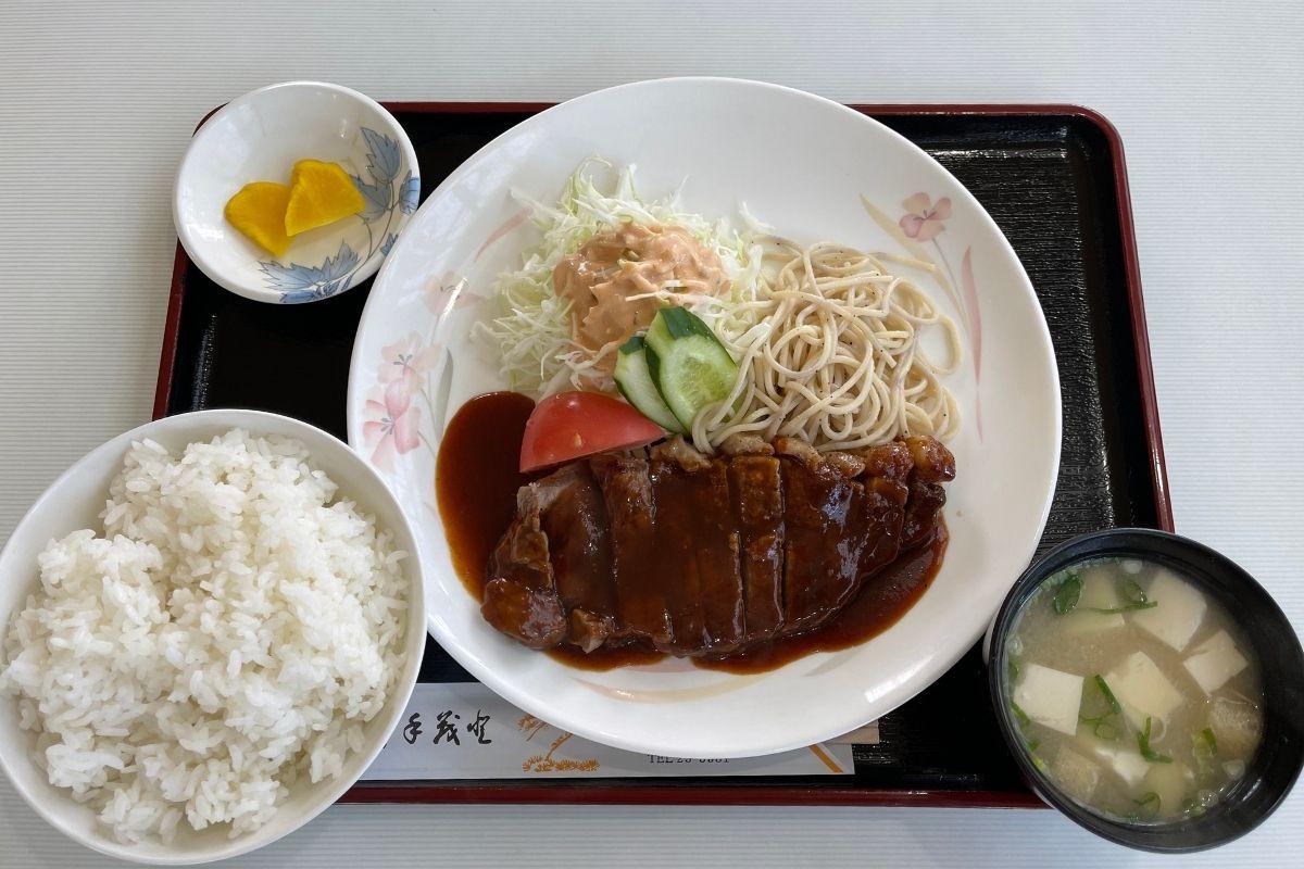 みなみ ステーキ定食(1,250円)